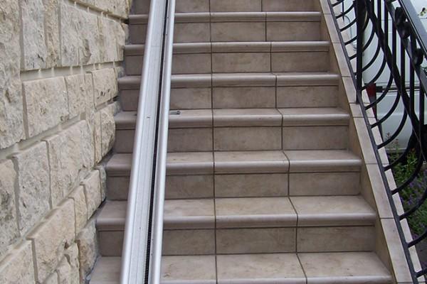 rénovation extérieure agrandissement escalier avant 2 - solutions travaux rénovation
